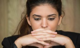 Come sconfiggere l'ansia con lo Yoga