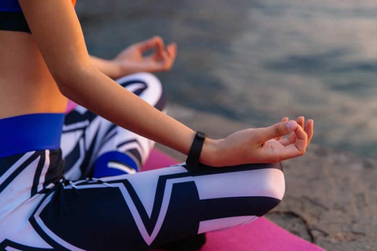 Yoga al mare. Sequenze per il mattino