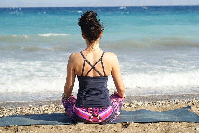 Scopri le migliori Asana Yoga per l'estate
